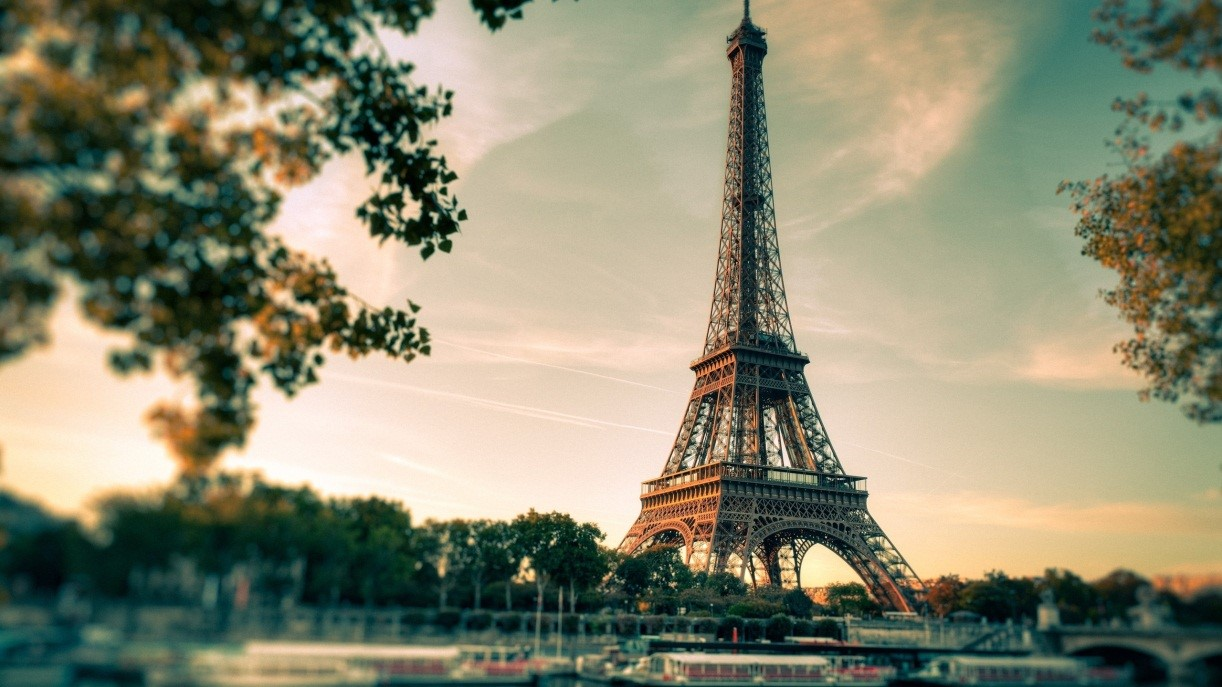 'Reasons behind Adding Travelling to Paris to your list